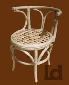 Плетеный стул из ивы